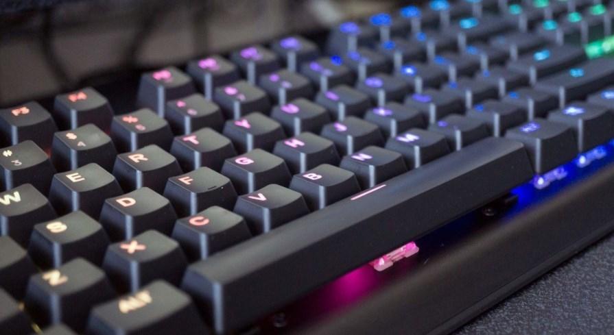 SteelSeries Apex M750 - одна из лучших механических клавиатур