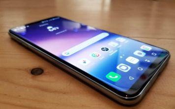 Флагманский 6-дюймовый смартфон LG V30+