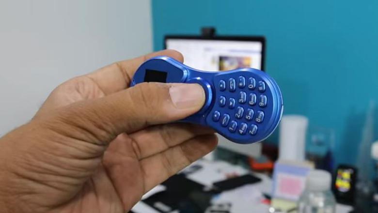 Вышел первый в мире телефон-спиннер