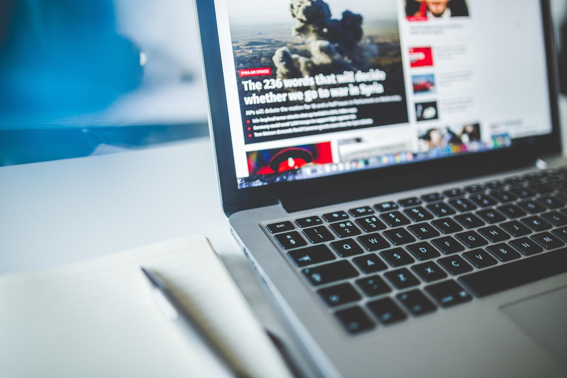 Нетривиальная проблема социальных сетей от главы Apple