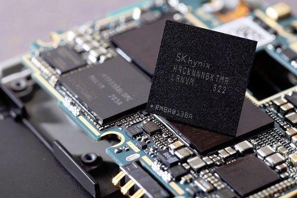 Сколько нужно встроенной памяти телефону