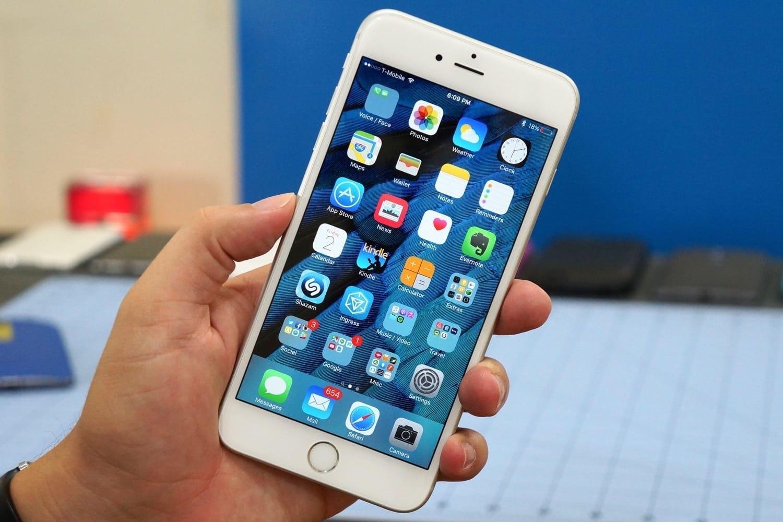 iPhone 8 существенно подешевел