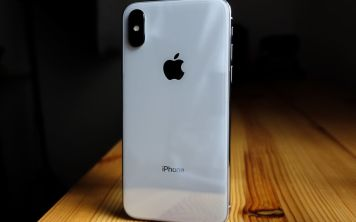 Дмитрий Медведев стал владельцем iPhone X