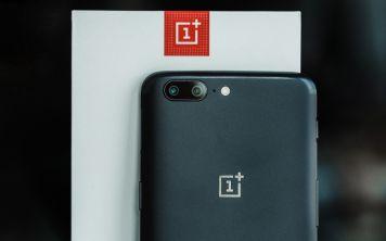 Четыре популярных смартфона из Китая резко подешевели
