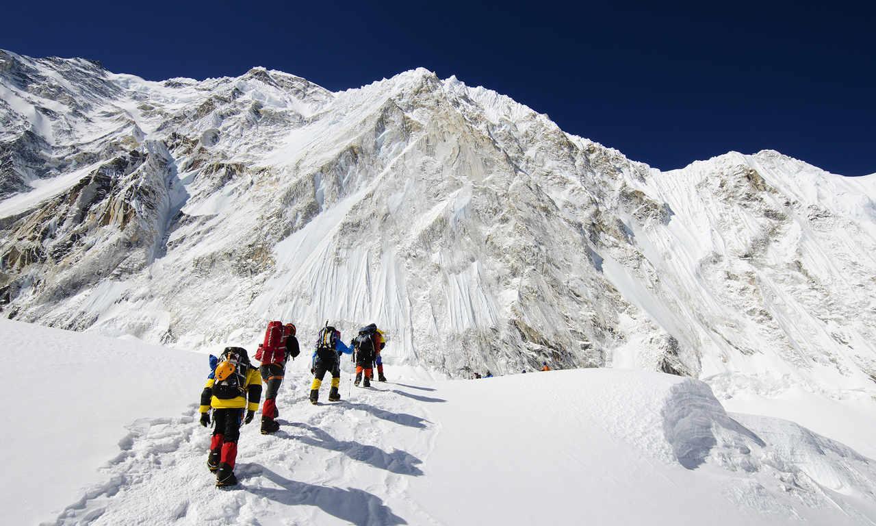 Покорить Эверест можно с очками VR