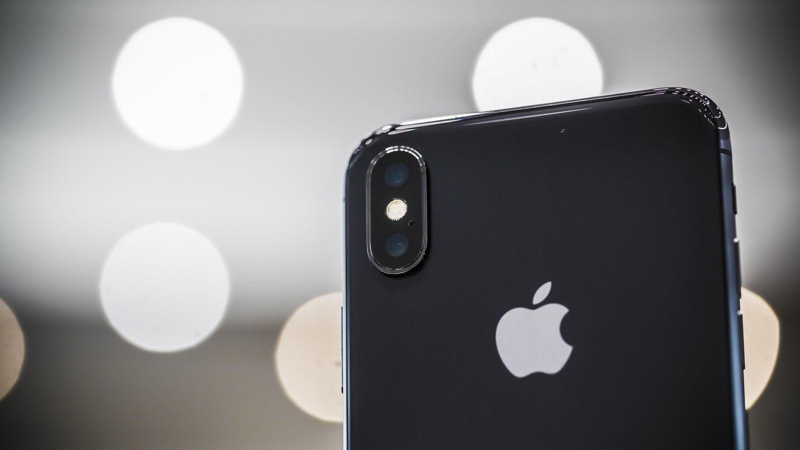 iPhone X после падения с 300 метров