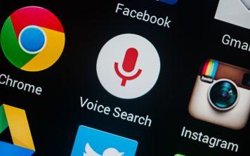 Google хранит записи голосового поиска пользователей на своих серверах