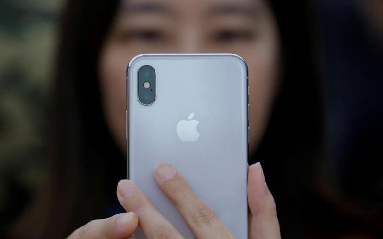 Apple iPhone X очень интересен потребителям