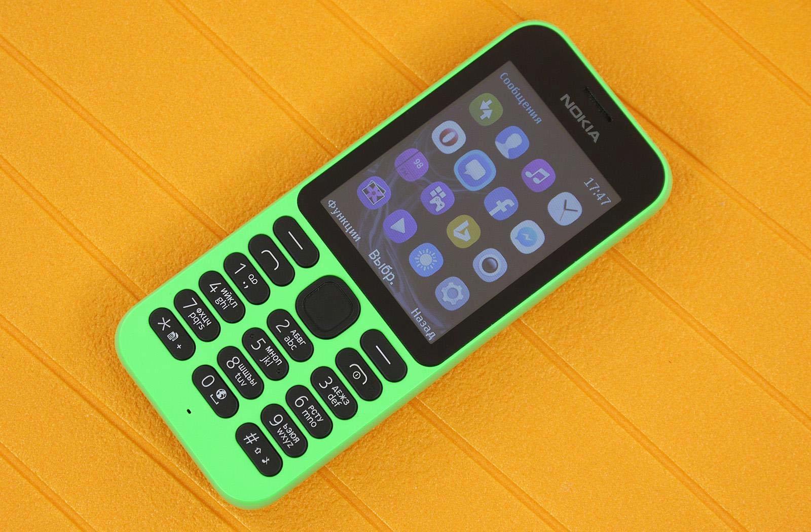 Обзор простого телефона Nokia 215