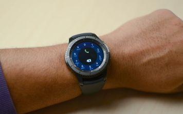 Смарт часы Samsung Gear обеспечат безопасность рабочих