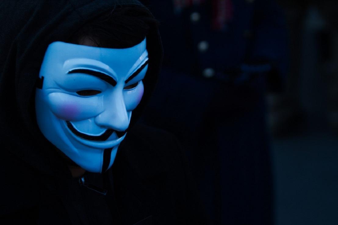 «ВКонтакте» на сутки позволил оставлять анонимные записи