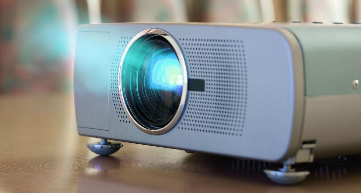Как подключить проектор к ноутбуку?