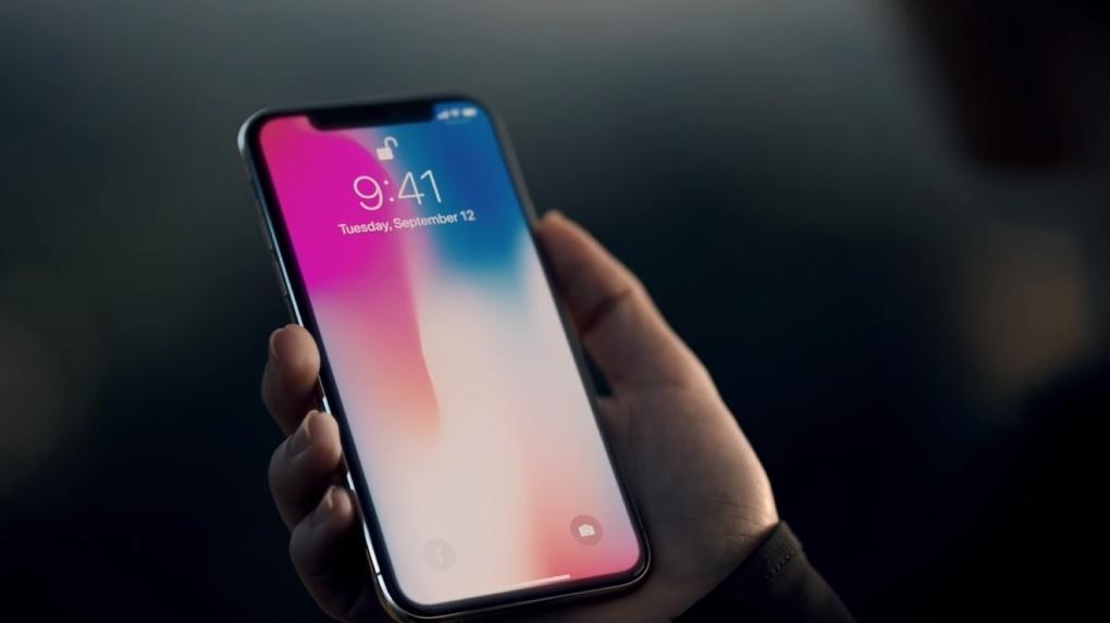 Apple ускорит поставки iPhone X перед Новым Годом