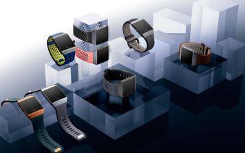 Fitbit представила свои первые умные часы