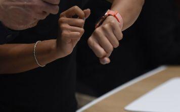 Верховный Суд признал часы Apple средством связи