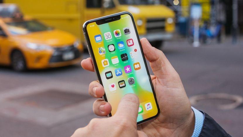 Спрос на IPhone X оказался ниже ожидаемого