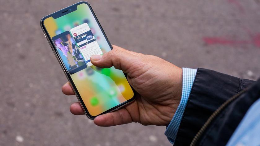 В iPhone X «гуляет» экран