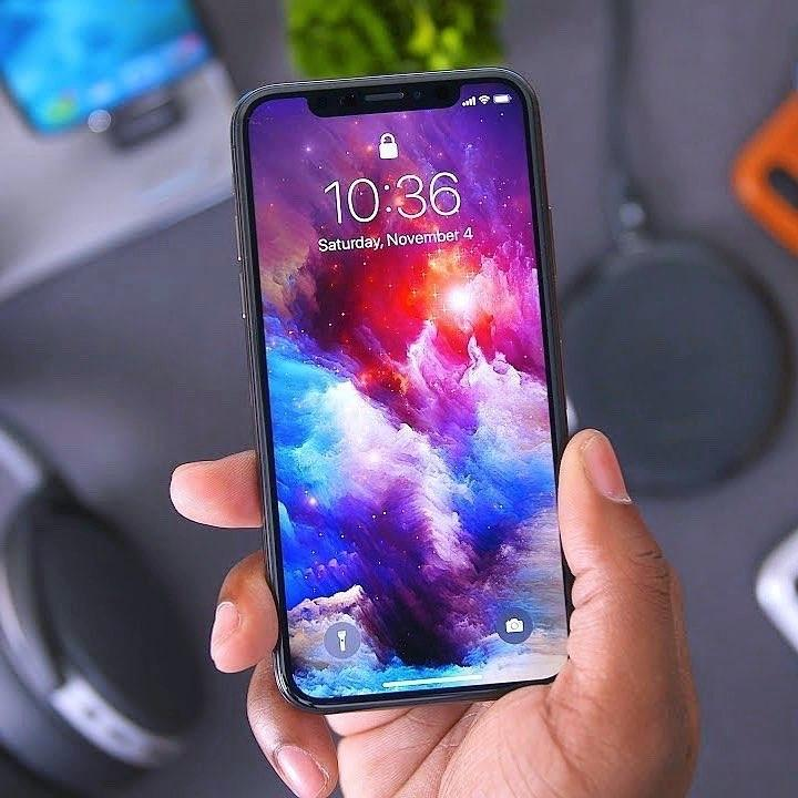Почему тормозят старые iPhone?