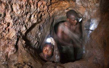 Шахты по добыче кобальта для гаджетов приводят к новым детским смертям