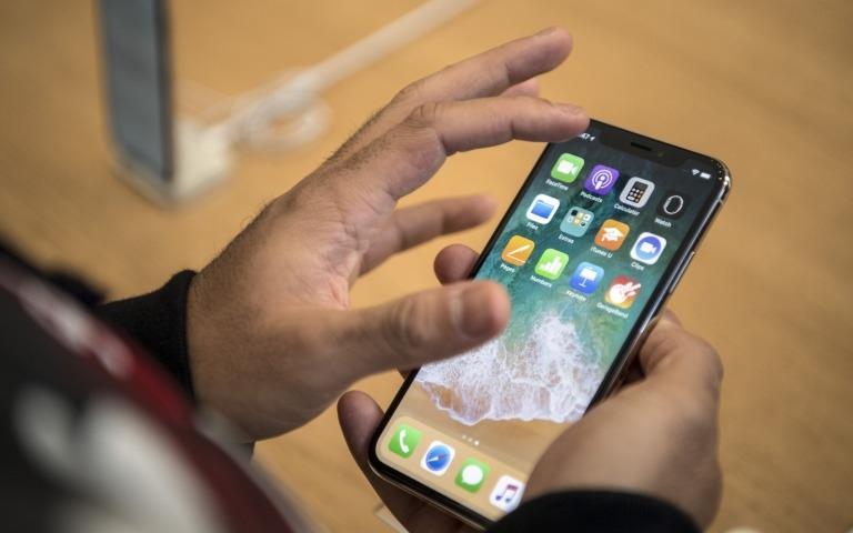 Почему обновления Apple мешают продажам компании?