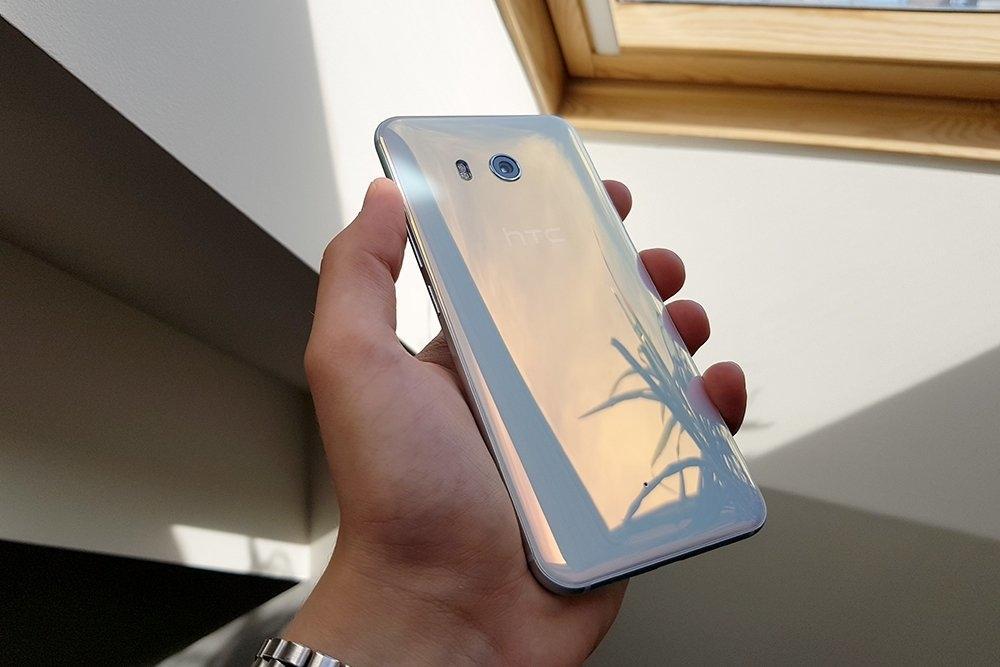 HTC U11 Life: лёгкая версия или недорогой флагман?