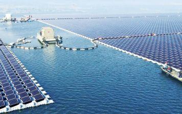 Китайцы запустили крупнейшую плавучую солнечную станцию