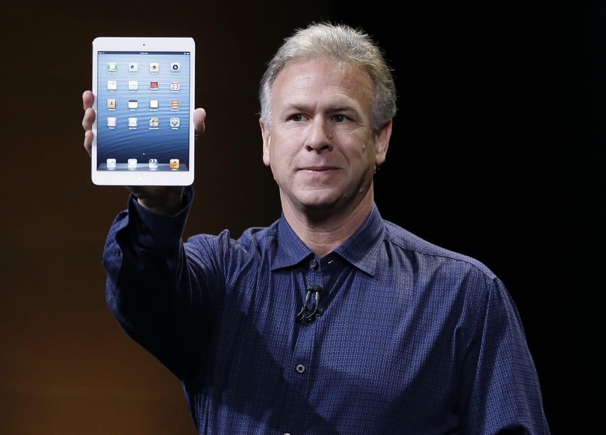 Некорректное поведение сотрудника Apple