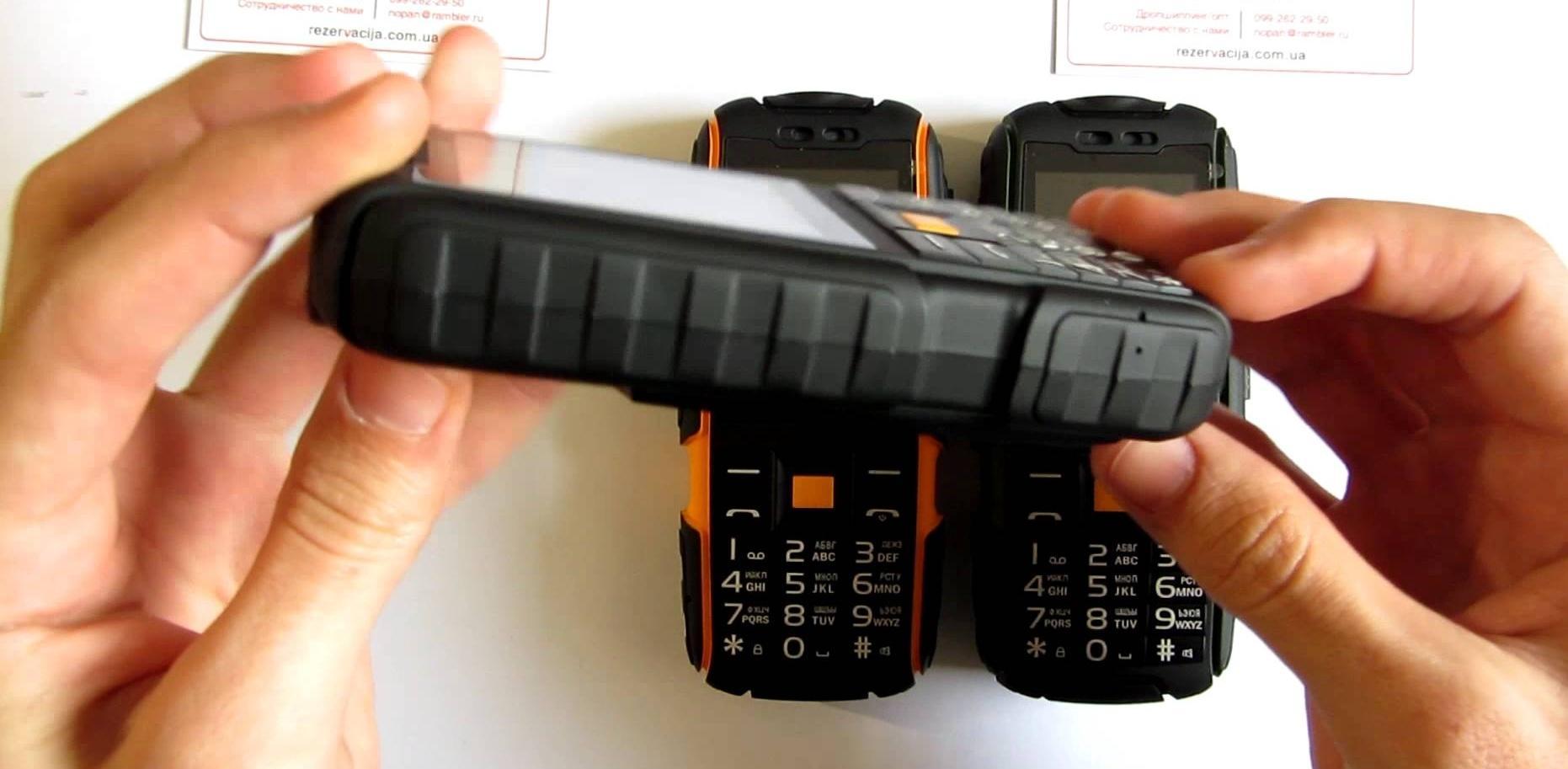 ТОП-5 бюджетных наиболее защищённых кнопочных телефонов
