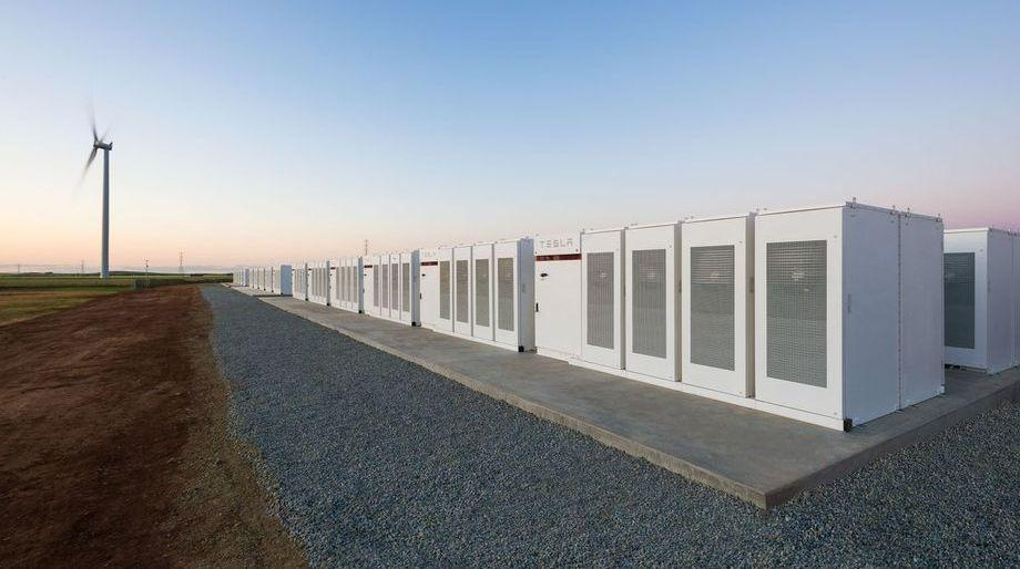 Крупнейший в мире аккумулятор от Тесла был построен за 100 дней