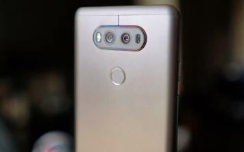 LG V34 сзащитой от воды и пыли вышел в Японии