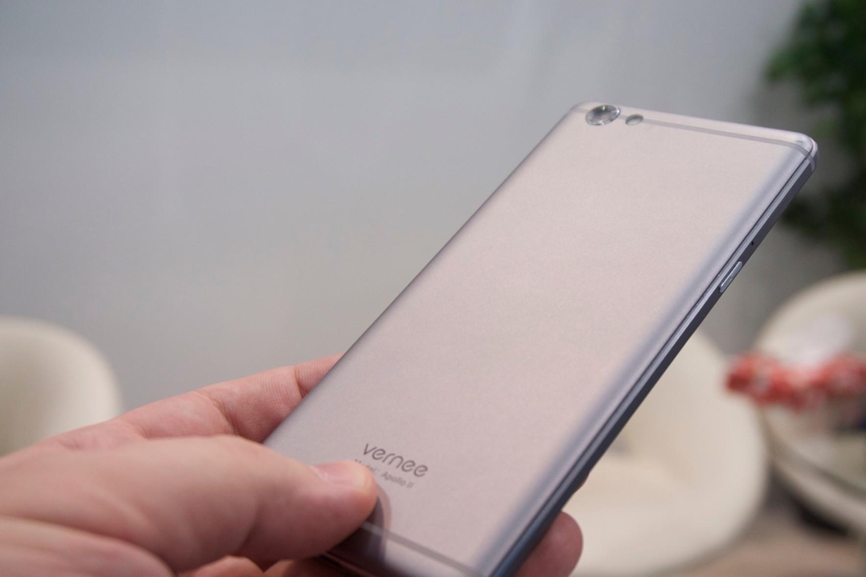 Vernee Thor Plus: смартфон с большой ёмкостью по требованиям 2017 года