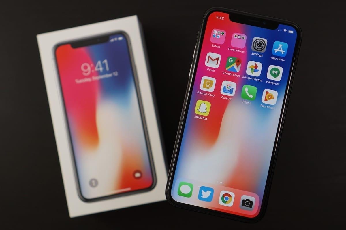 Россиянин потерял два миллиона рублей из-за iPhone X