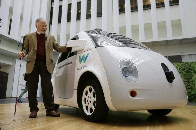 """Waymo запатентовала автомобиль с кнопками """"Go"""" и """"Stop Now"""""""