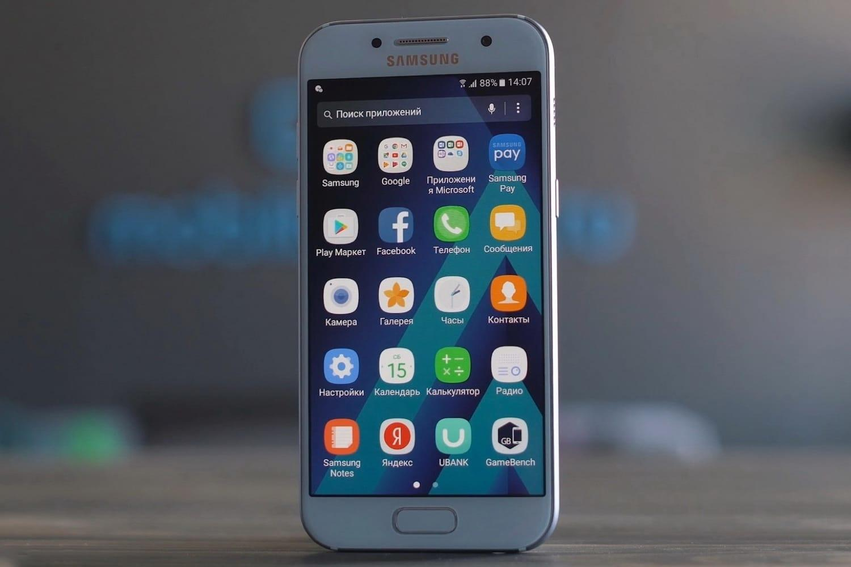 Samsung Galaxy A3 значительно подешевел