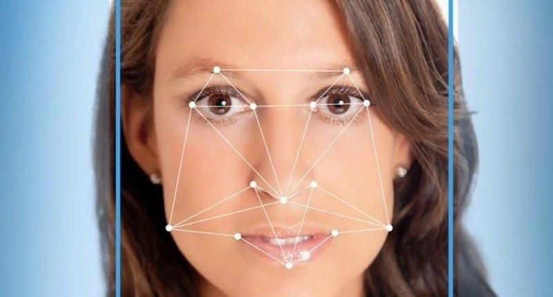 Face ID умеет распознавать только одно лицо