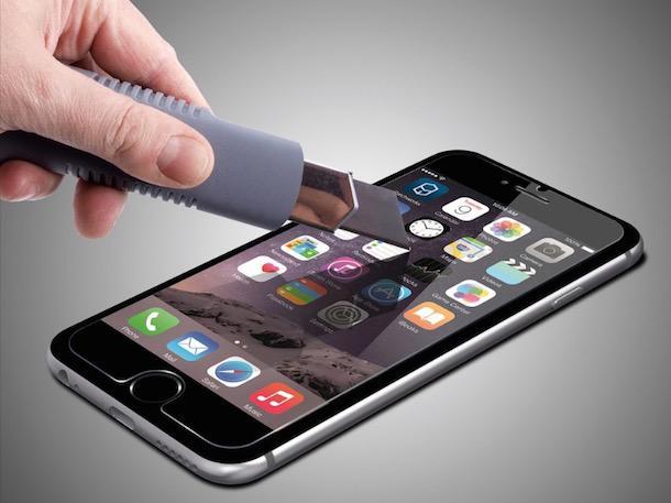 Что лучше: пленка или стекло для экрана телефона?