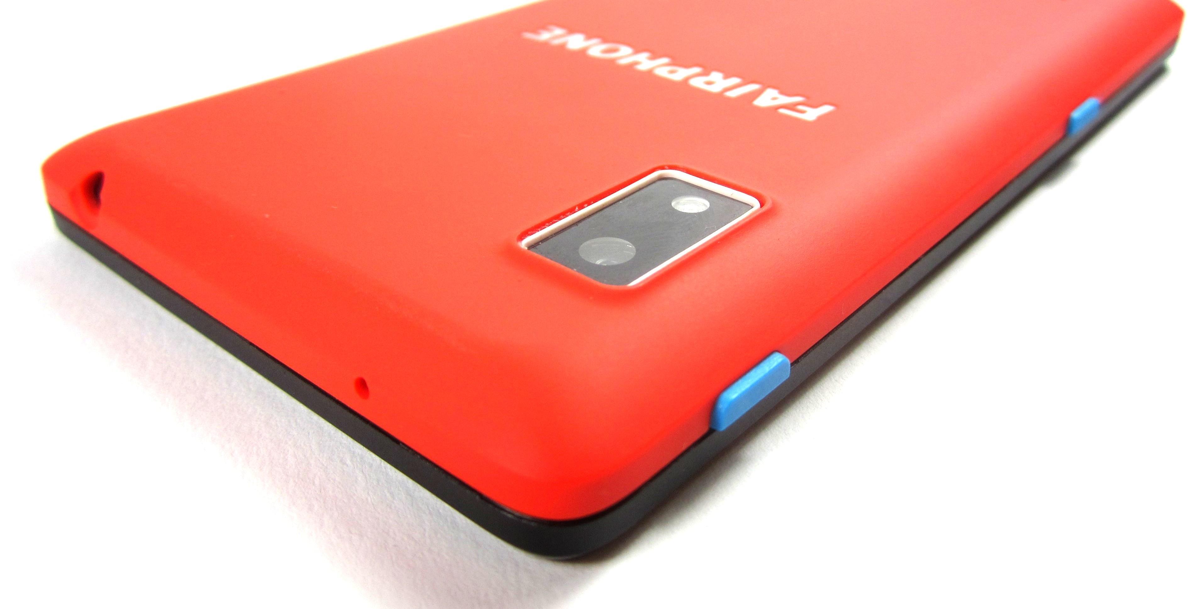 Fairphone 2 - смартфон с заменяемыми камерами