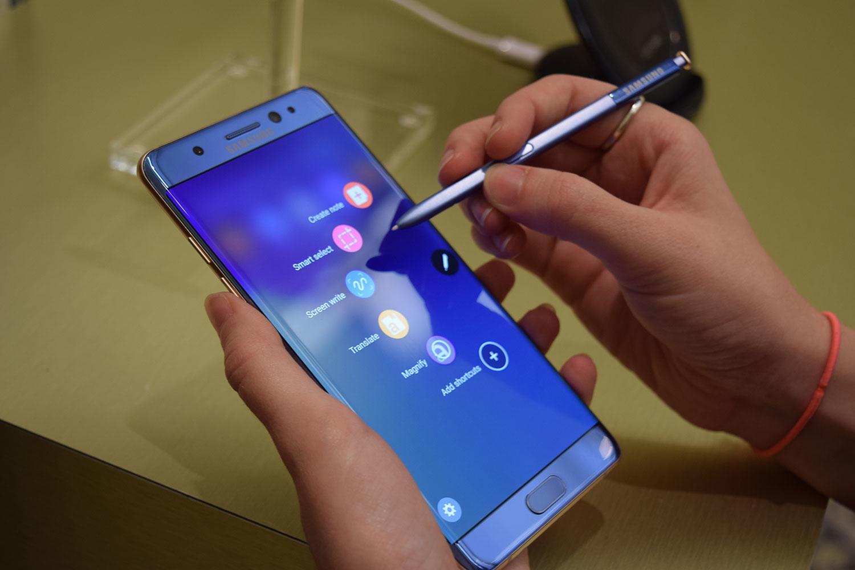 Рендеры показали Samsung Galaxy Note 8 в восьми расцветках