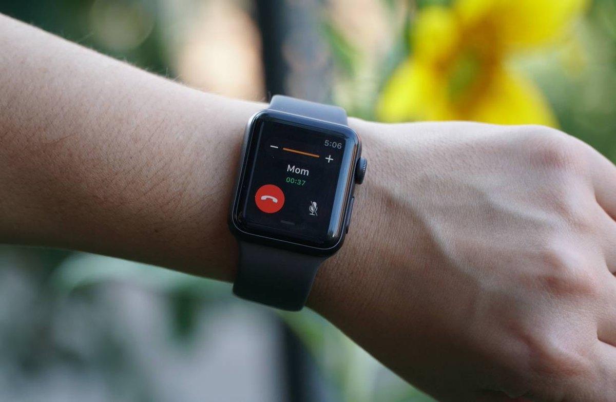 Apple обещает устранить все проблемы в новых часах