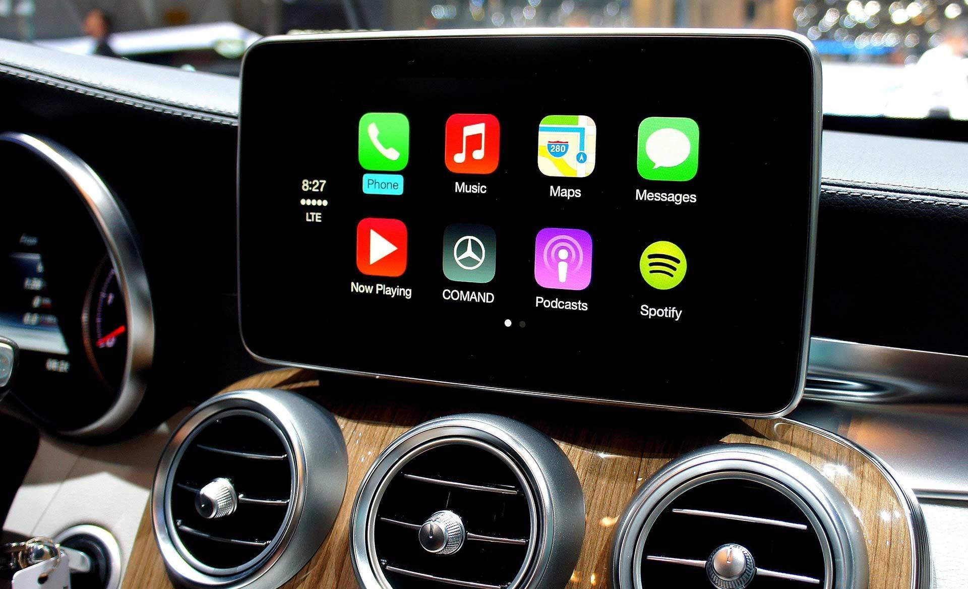 Система Apple CarPlay теперь в России