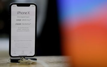 Кто теперь будет поставлять OLED-дисплеи Apple?