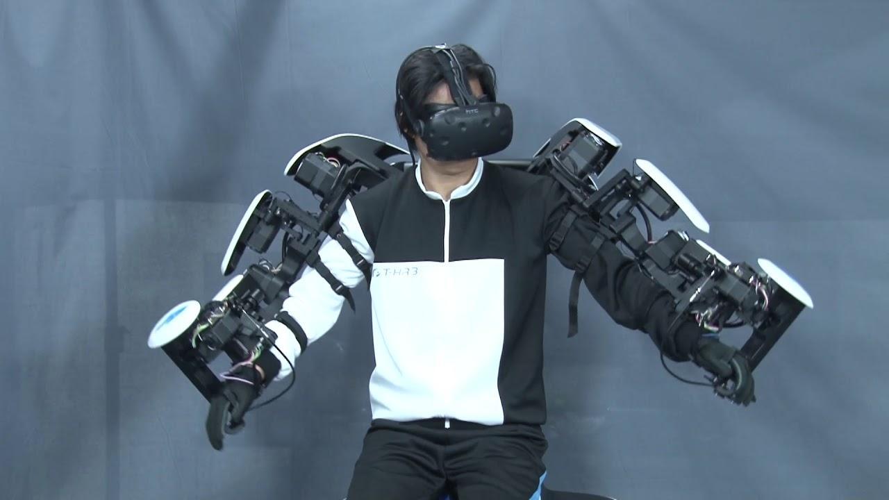 Робот Toyota T-HR3 подражает движениям человека