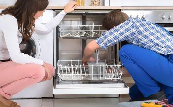 Белый налёт, плохо моет и гудит — свирепый кошмар посудомоек!