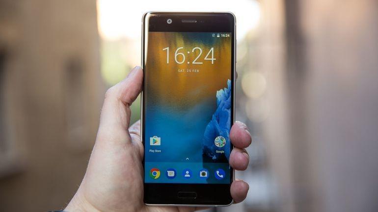 Справится ли Nokia 5 с тестом на прочность от JerryRigEverything?