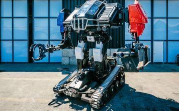 Победитель битвы гигантских роботов