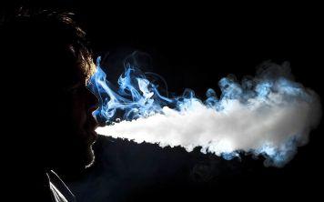 Почему нельзя курить возле  MacBook  и   iMac ?