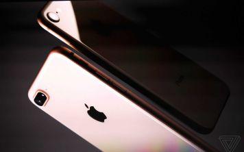 Что изменилось с прошлого года? «Новые» iPhone 8 и 8 Plus