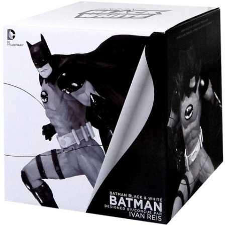 Batman Black & White Statue By Ivan Reis